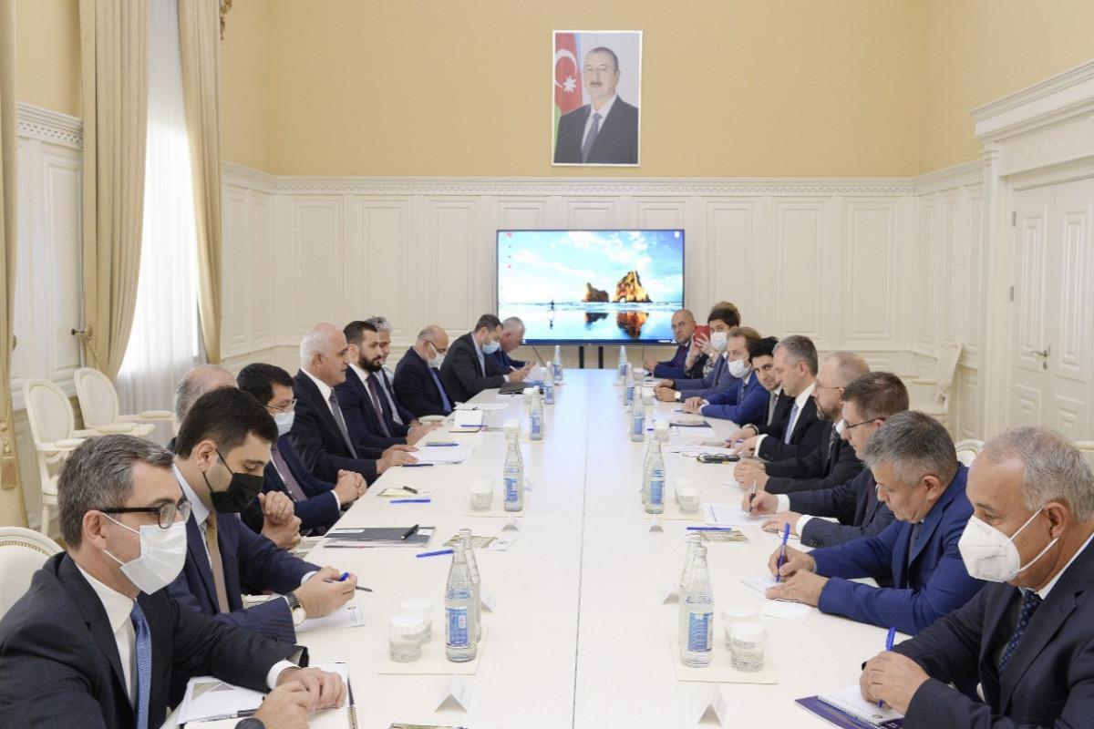Baş nazirin müavini Şahin Mustafayev Rusiyanın iqtisadi inkişaf nazirinin müavini ilə görüşüb