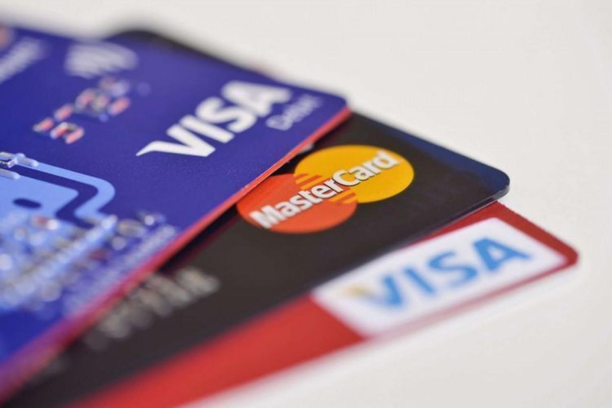 Bu ilin birinci yarısında kredit və debet kartları ilə aparılan əməliyyatların həcmi açıqlanıb