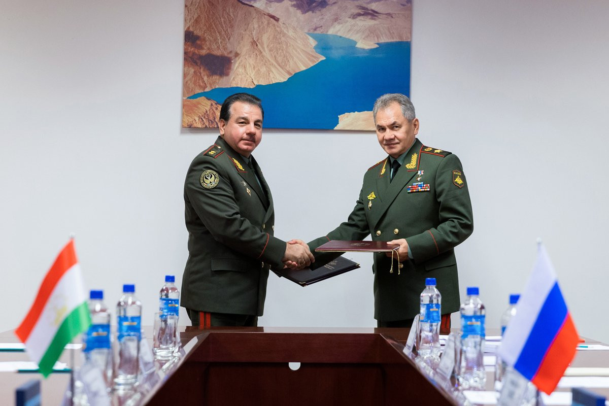 Russian and Tajik Defence ministers discussed situation in Afghanistan