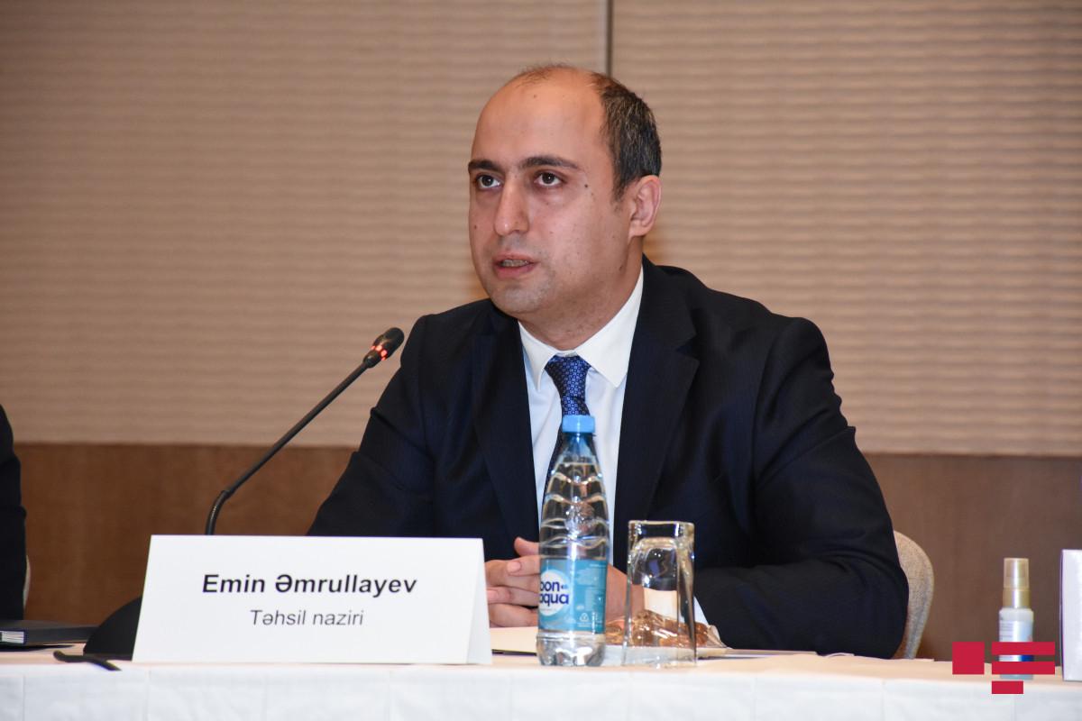 Министр образования прокомментировал недовольство экзаменами по приему учителей