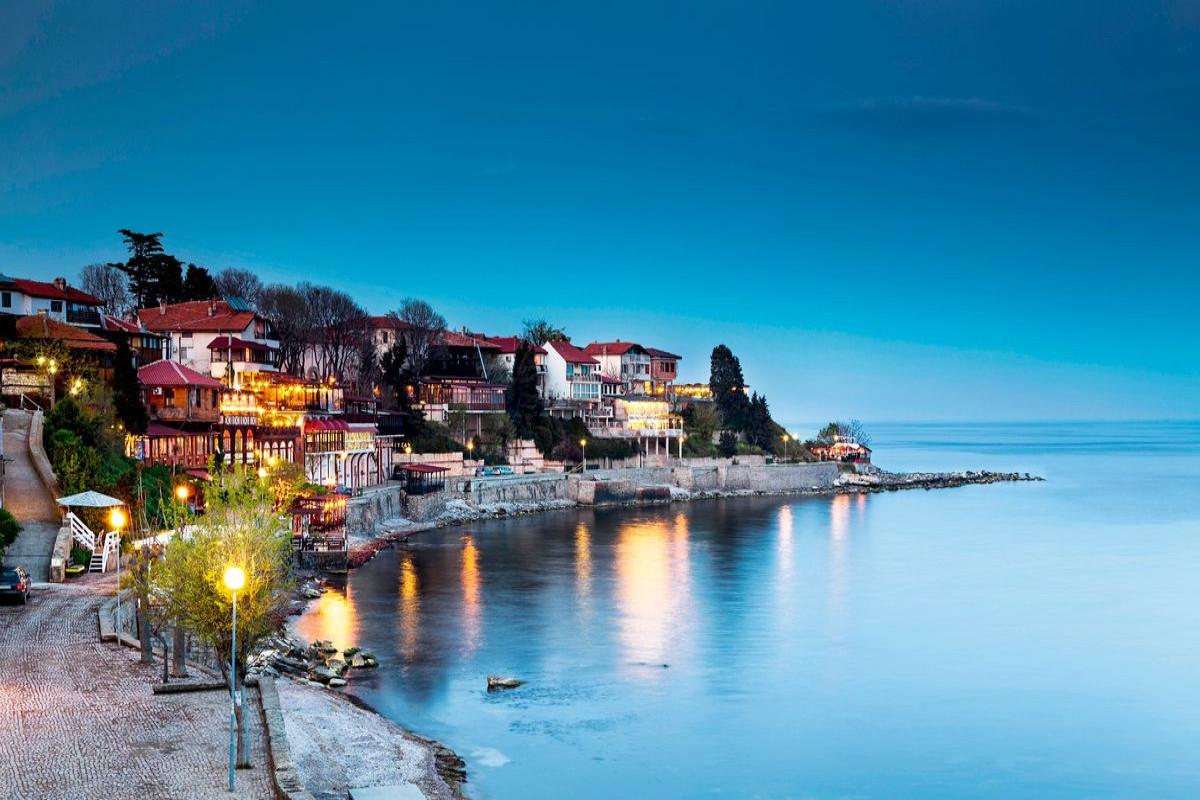 Гражданам Грузии запретили посещать Болгарию