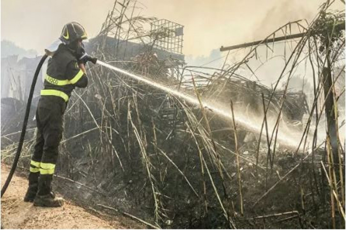 На Сардинии около 400 человек эвакуировали из-за сильнейших пожаров