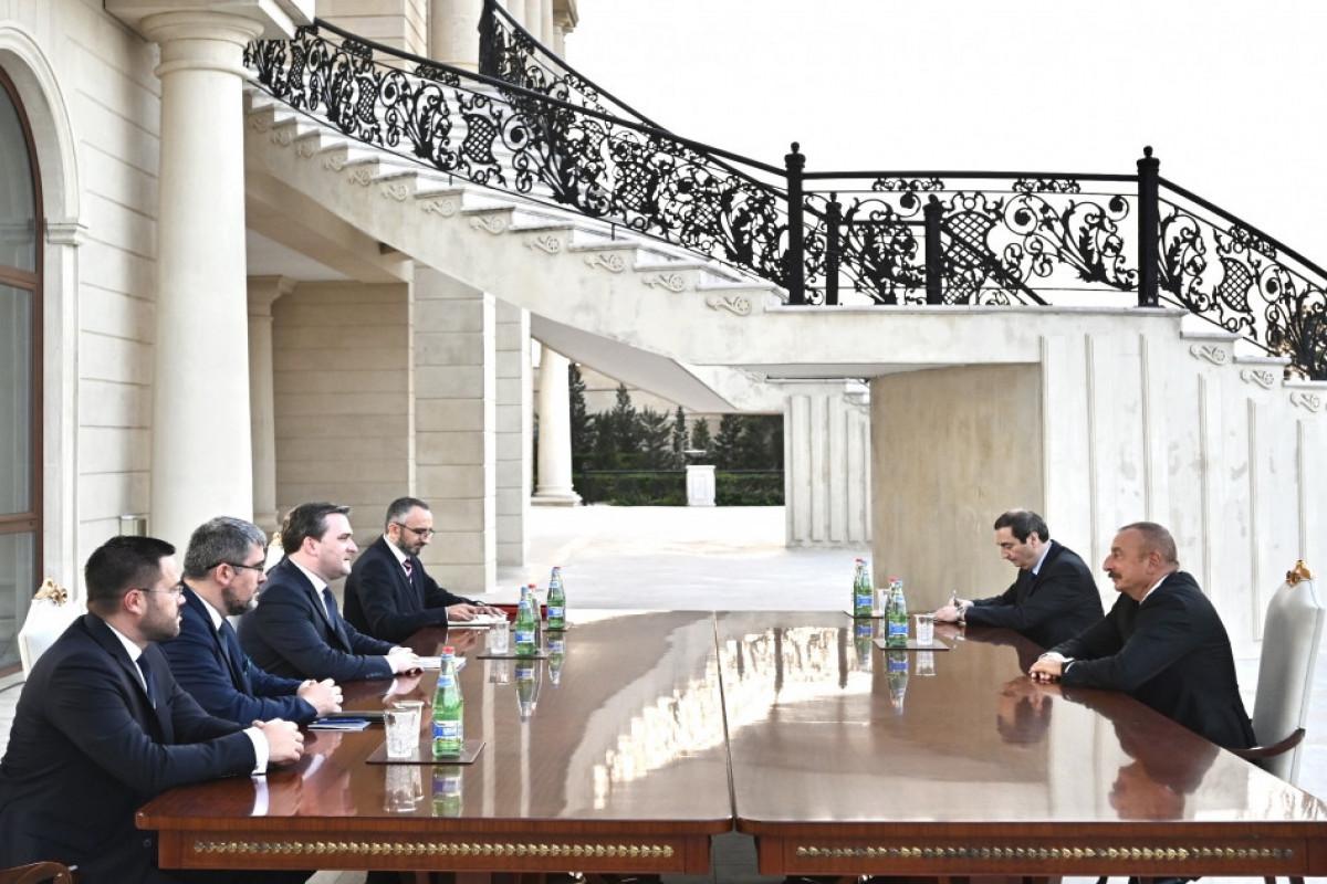 Prezident İlham Əliyev Serbiyanın xarici işlər nazirininbaşçılıq etdiyi nümayəndə heyətini qəbul edib