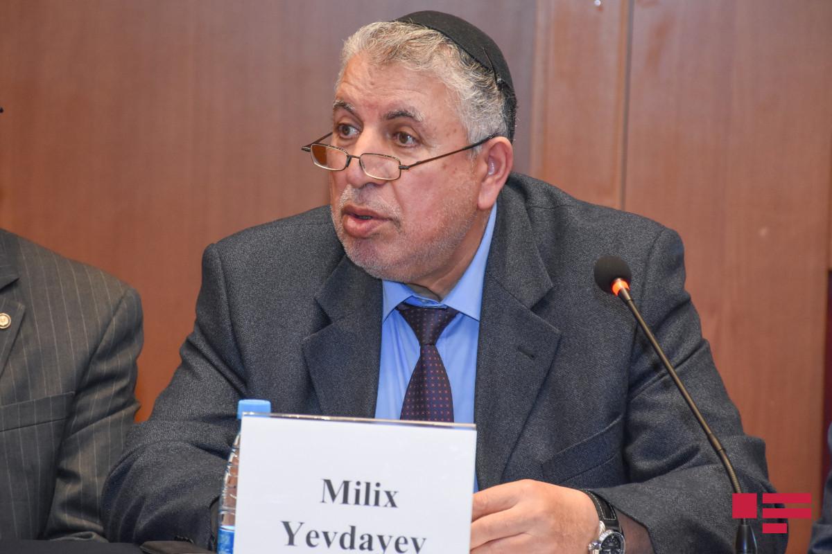 Милих Евдаев награжден орденом «Шараф»