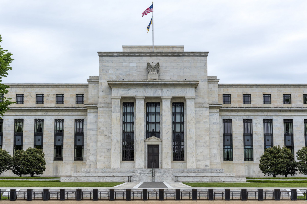 Treasury yields start the week lower with Fed meeting in focus