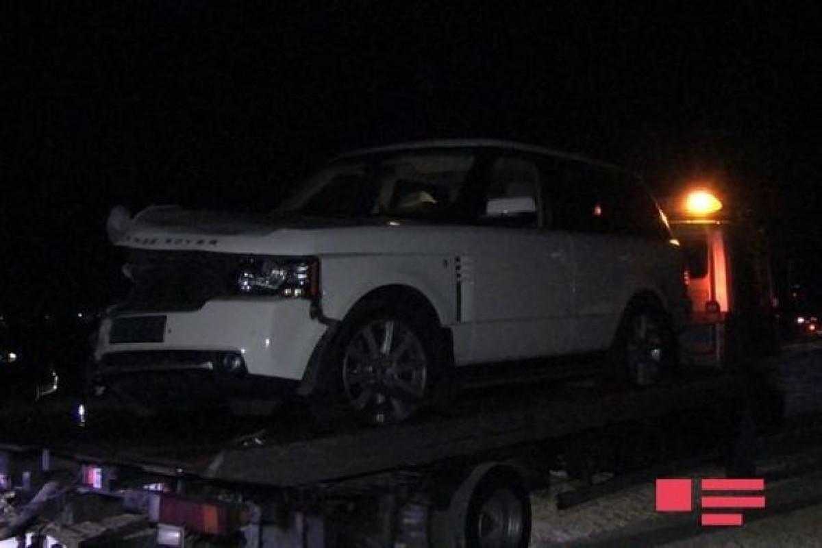 В Кюрдамире перевернулся автомобиль, есть погибший и пострадавшие