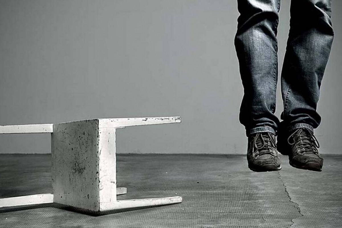 Sumqayıtda 38 yaşlı kişi intihar edib