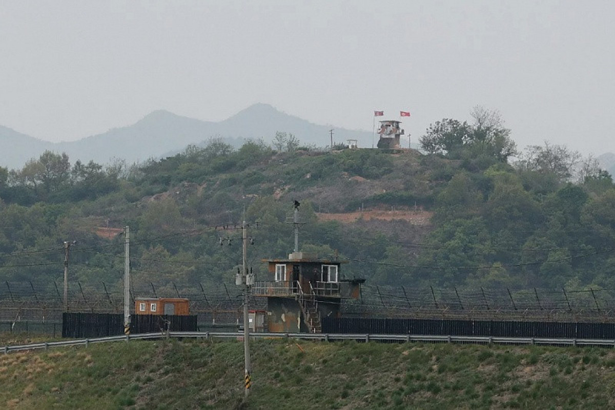 Южная Корея и КНДР восстановили разорванные линии связи