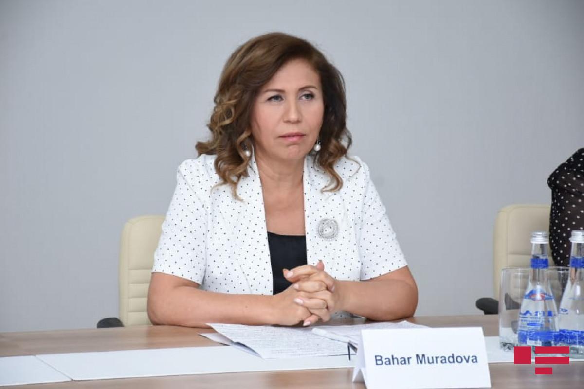 """Bahar Muradova AK Partiya Qadınlar Birliyinin sədri ilə görüşüb - <span class=""""red_color"""">FOTO"""