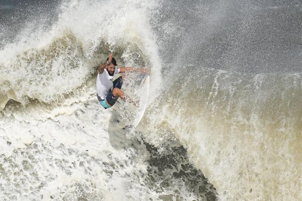 """<span class=""""red_color"""">Tokyo-2020: Brazil's Italo Ferreira wins first-ever Olympic gold in surfing"""