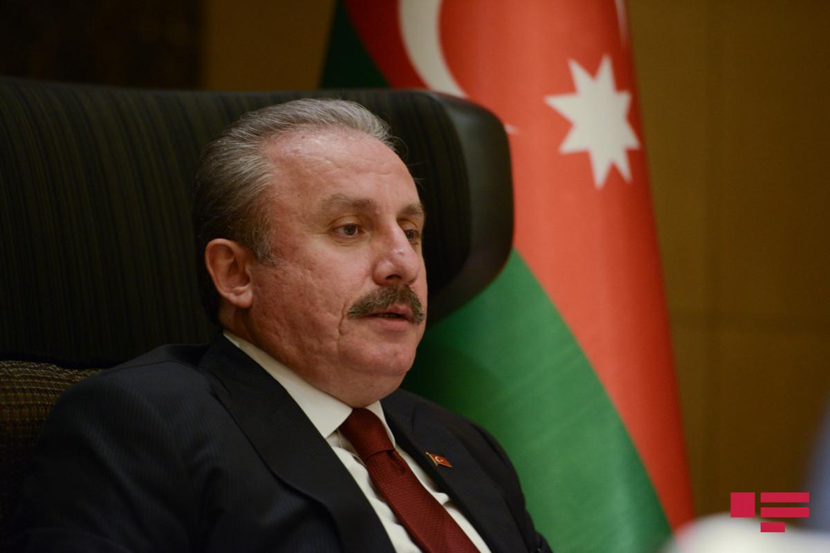 Мустафа Шентоп: Турция обсуждает с Азербайджаном вопрос обеспечения безопасности аэропорта Кабула