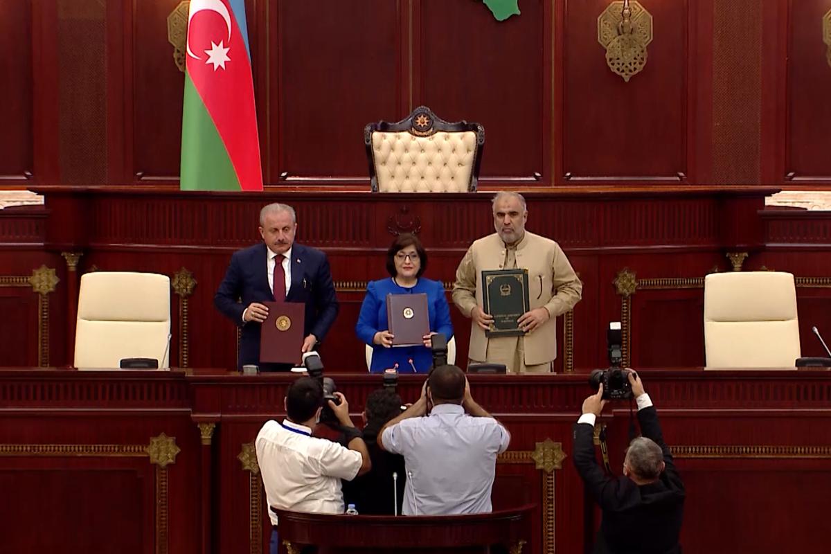Azərbaycan, Pakistan və Türkiyə parlament sədrləri Bakı Bəyannaməsini imzalayıblar