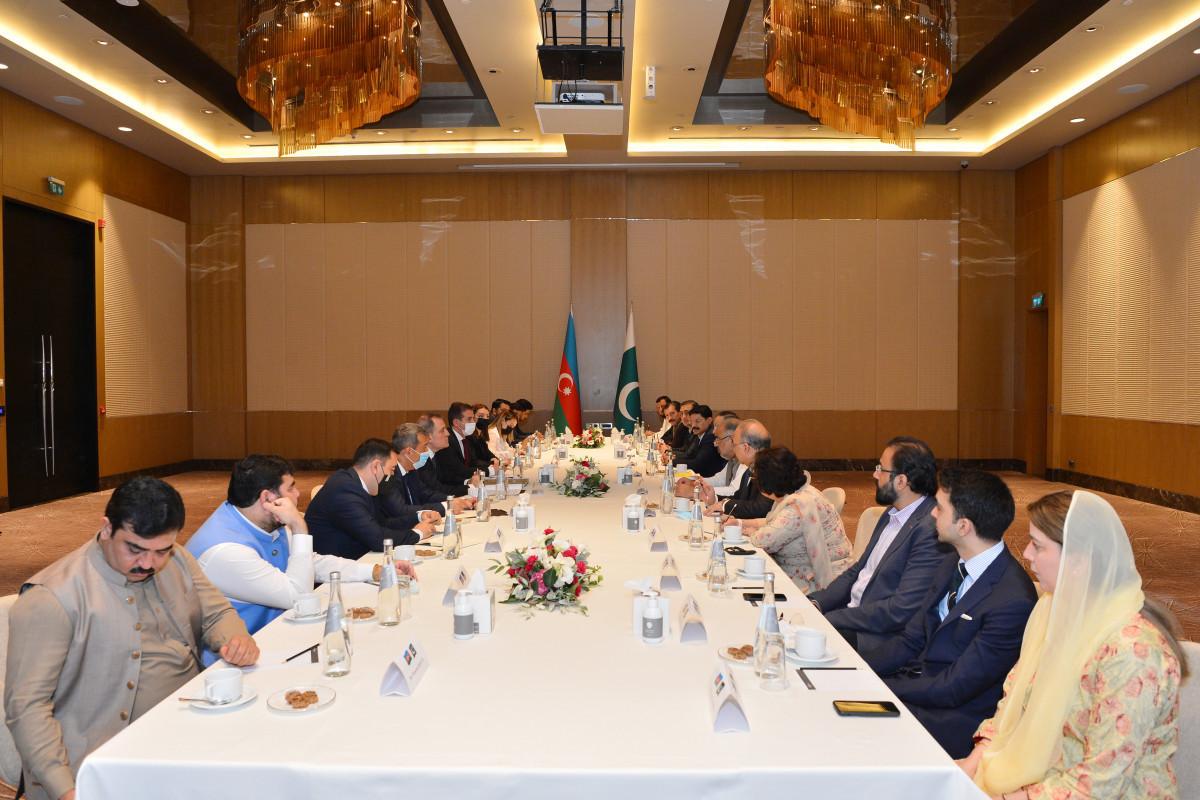 Джейхун Байрамов встретился с председателем Национального Собрания Пакистана