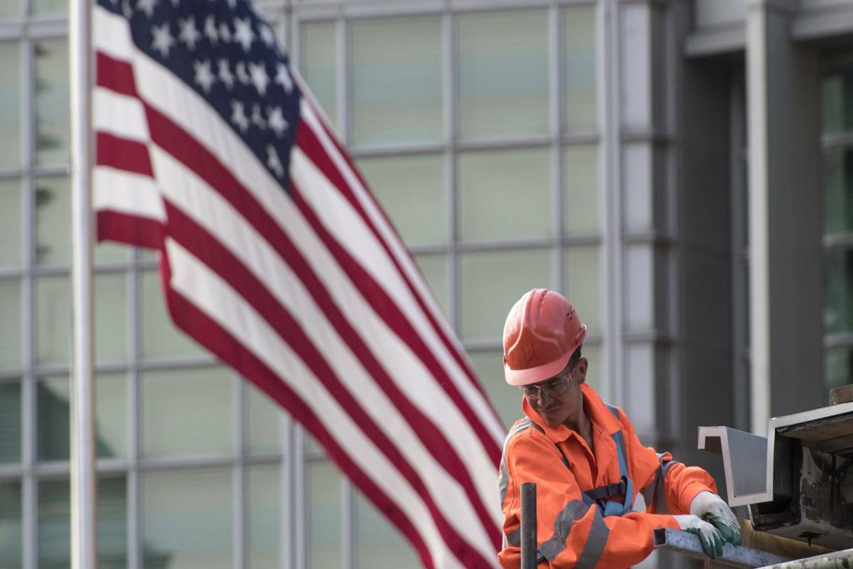 США уволят 182 служащих американских дипмиссий в России