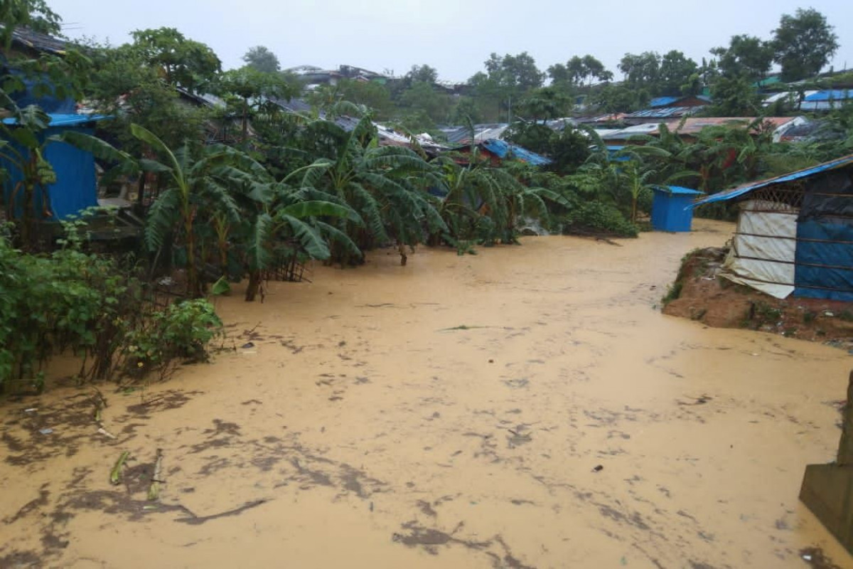 Thousands displaced as floods hit Bangladesh Rohingya camps