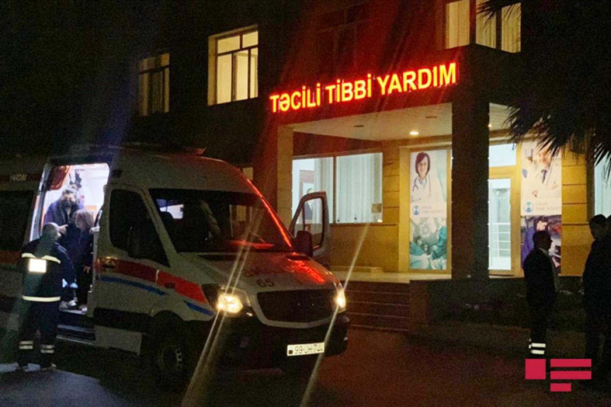 Yevlaxda yük maşını ilə toqquşan mikroavtobusun sürücüsü komaya düşüb