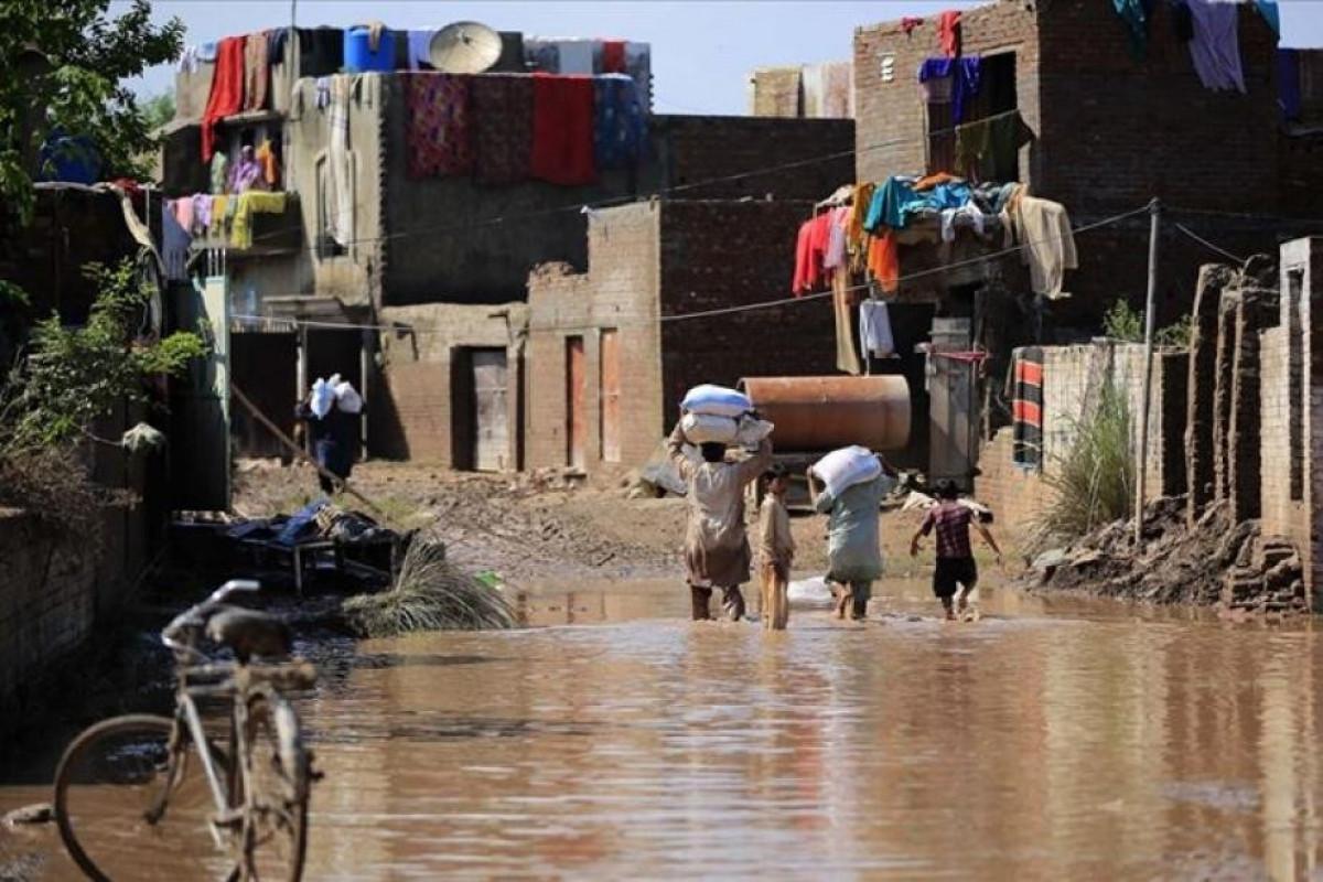 Pakistanda güclü yağışlar nəticəsində 4-ü uşaq olmaqla, 10 nəfər ölüb