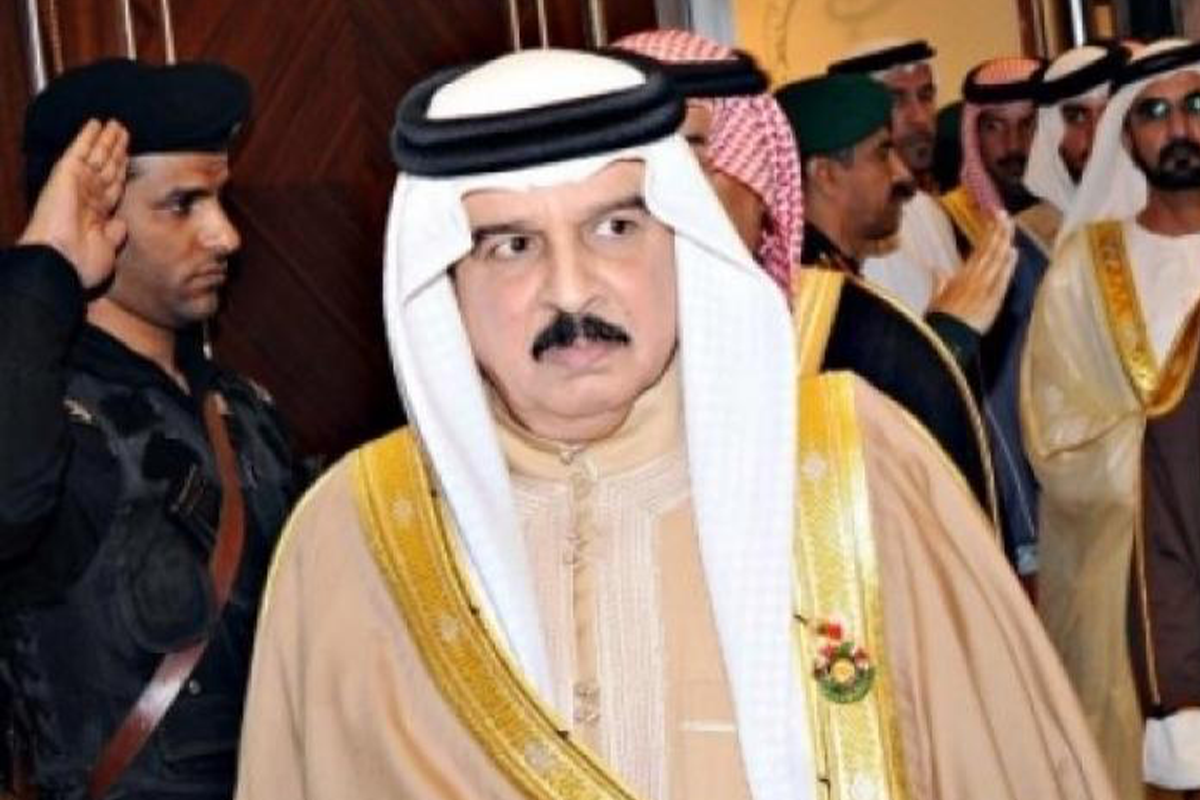 Король Бахрейна поздравил президента Ильхама Алиева