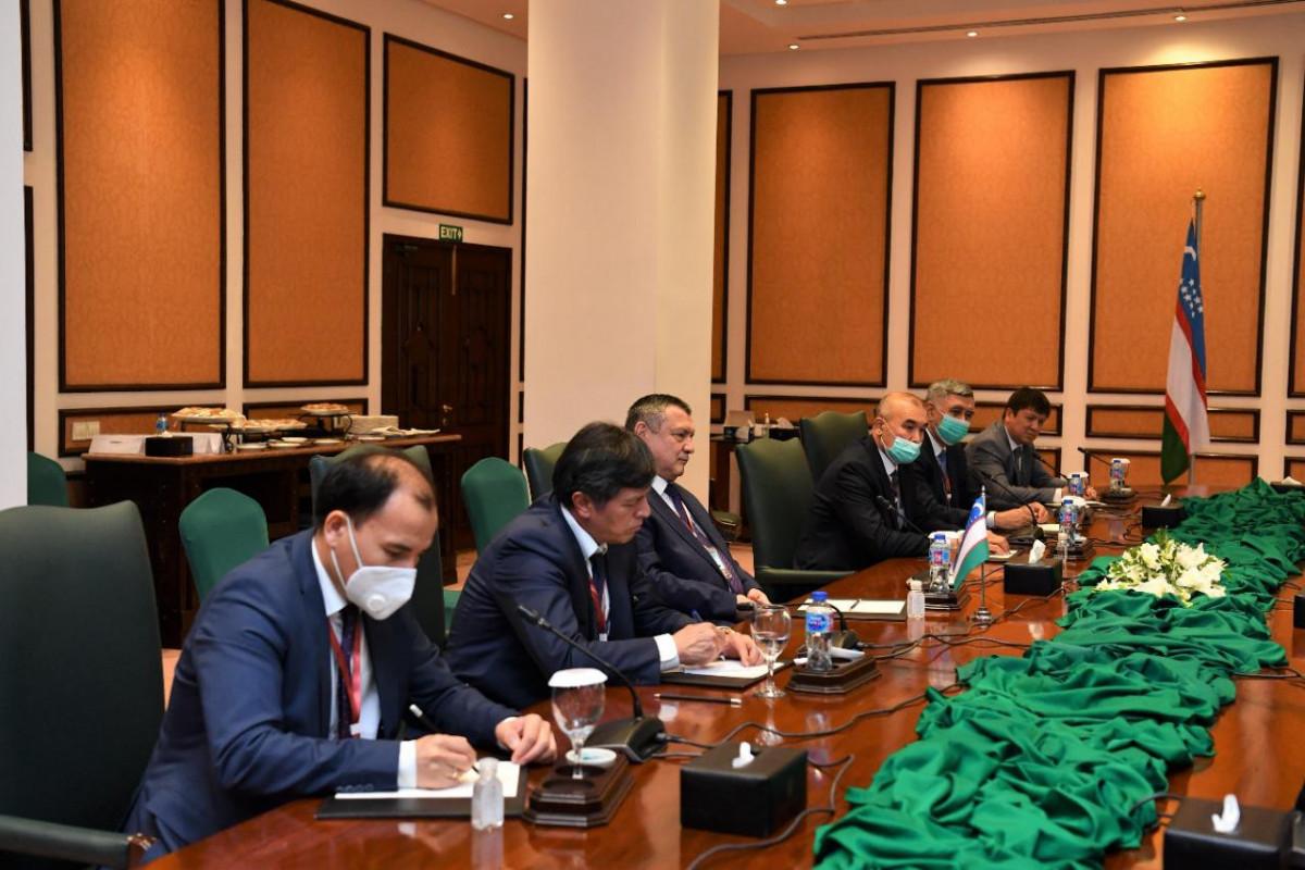 Председатель ММ Сахиба Гафарова встретилась со спикером парламента Узбекистана в рамках ПА ОЭС