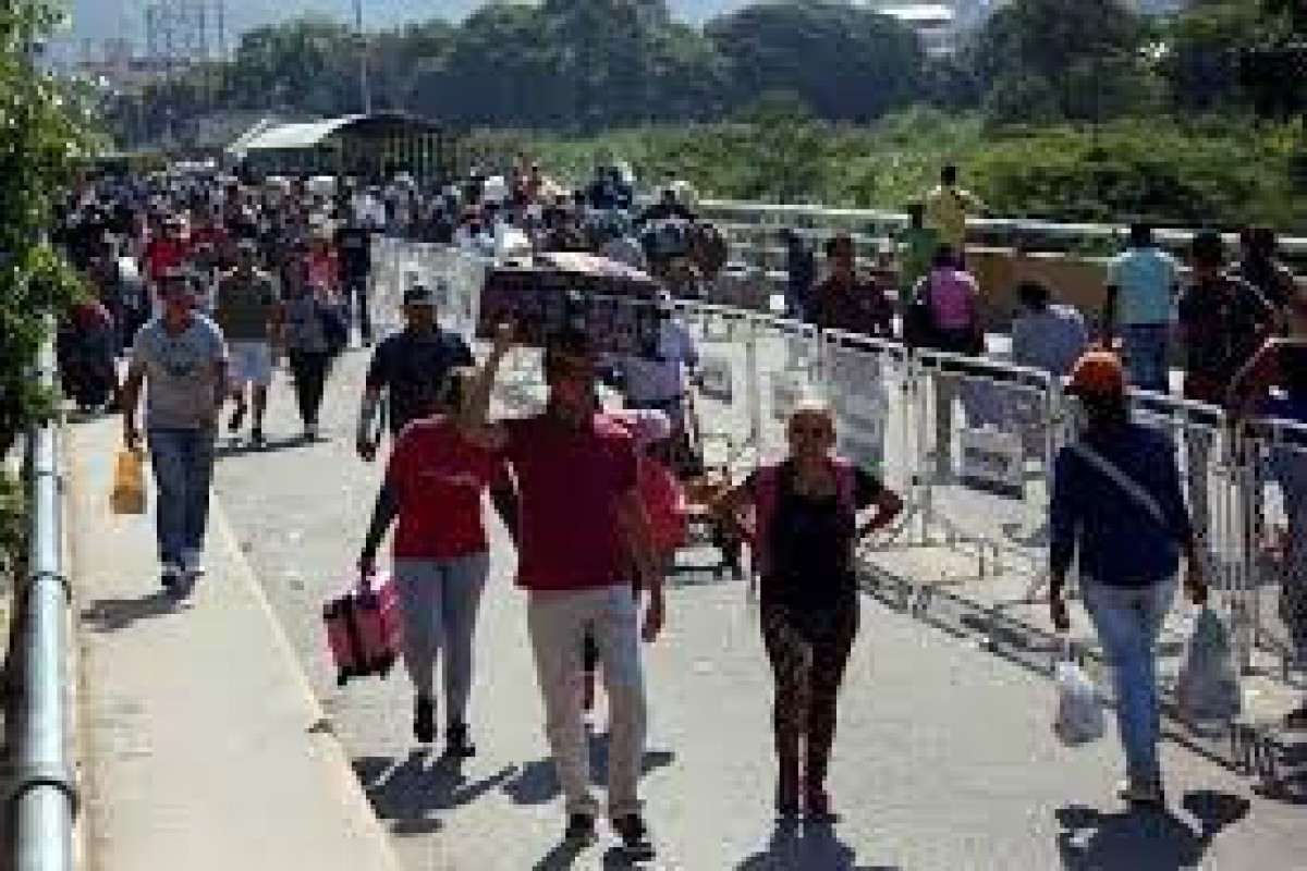 Colombia reopens border with Venezuela after 14 months