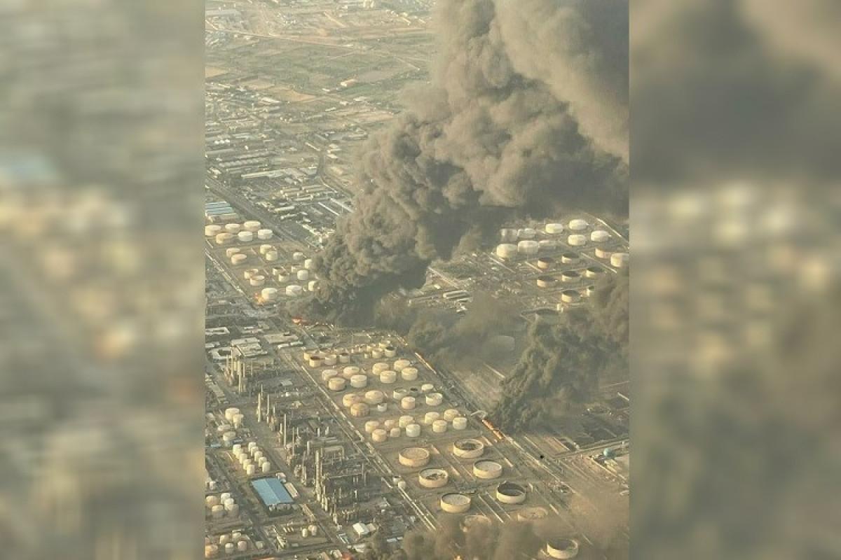 """На НПЗ в Тегеране произошел сильный пожар-<span class=""""red_color"""">ВИДЕО-<span class=""""red_color"""">ОБНОВЛЕНО"""