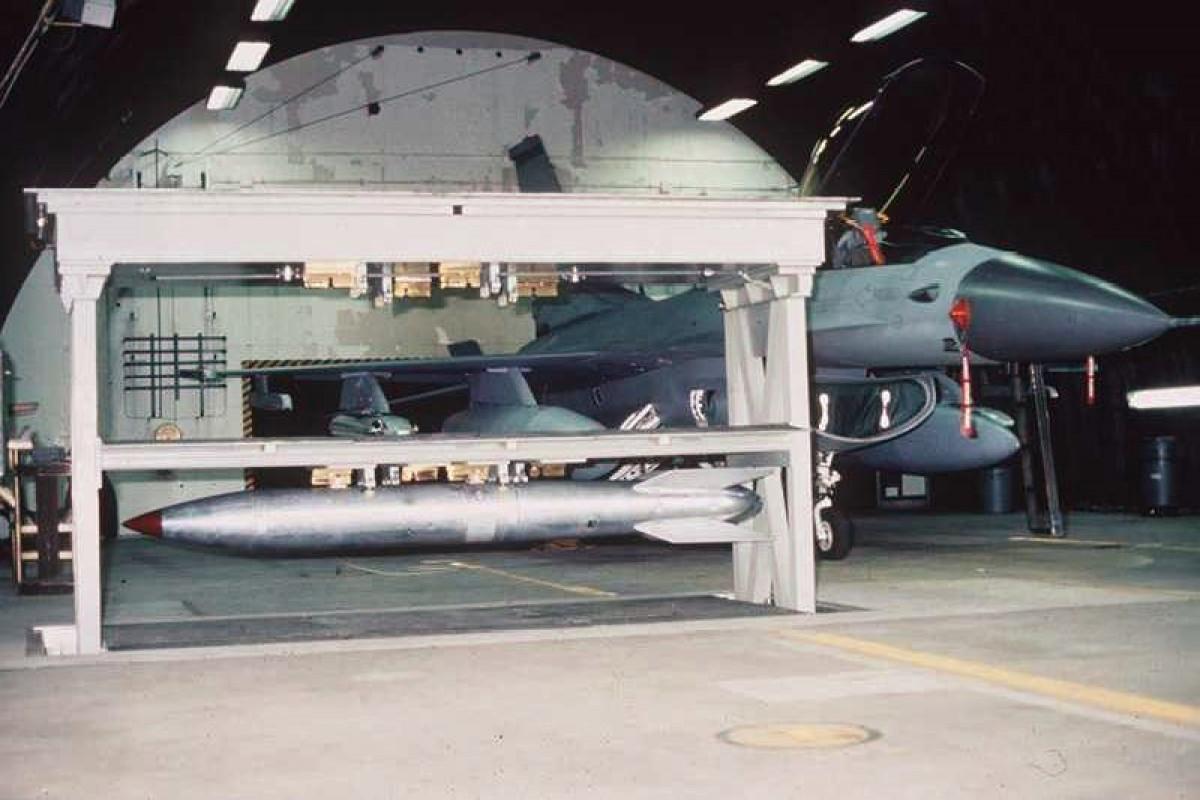 США хранят на базах в Европе и Турции 100 ядерных авиабомб