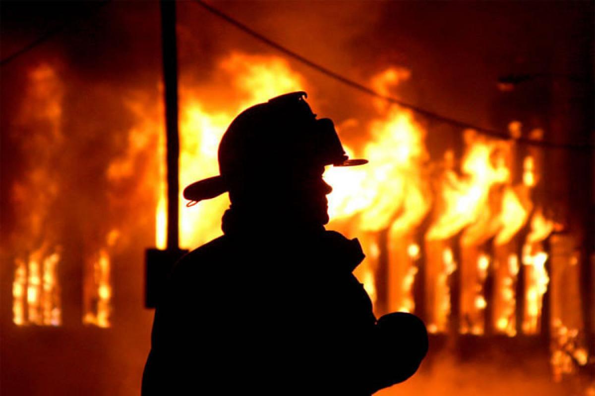 Sabirabadda ev yanıb, ana və iki oğlu yanaraq ölüb