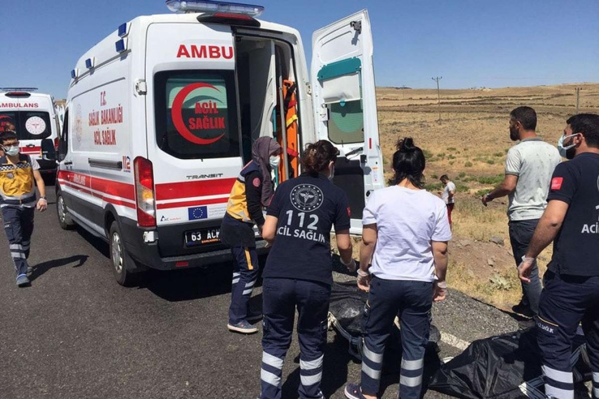 5 people killed after car falls off bridge in southeastern Turkey