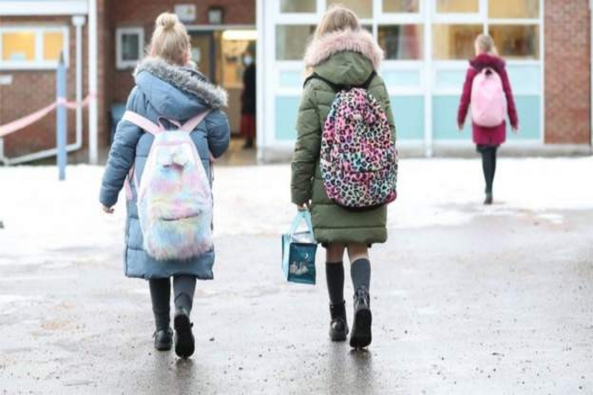 English Government considering proposal to extend school day