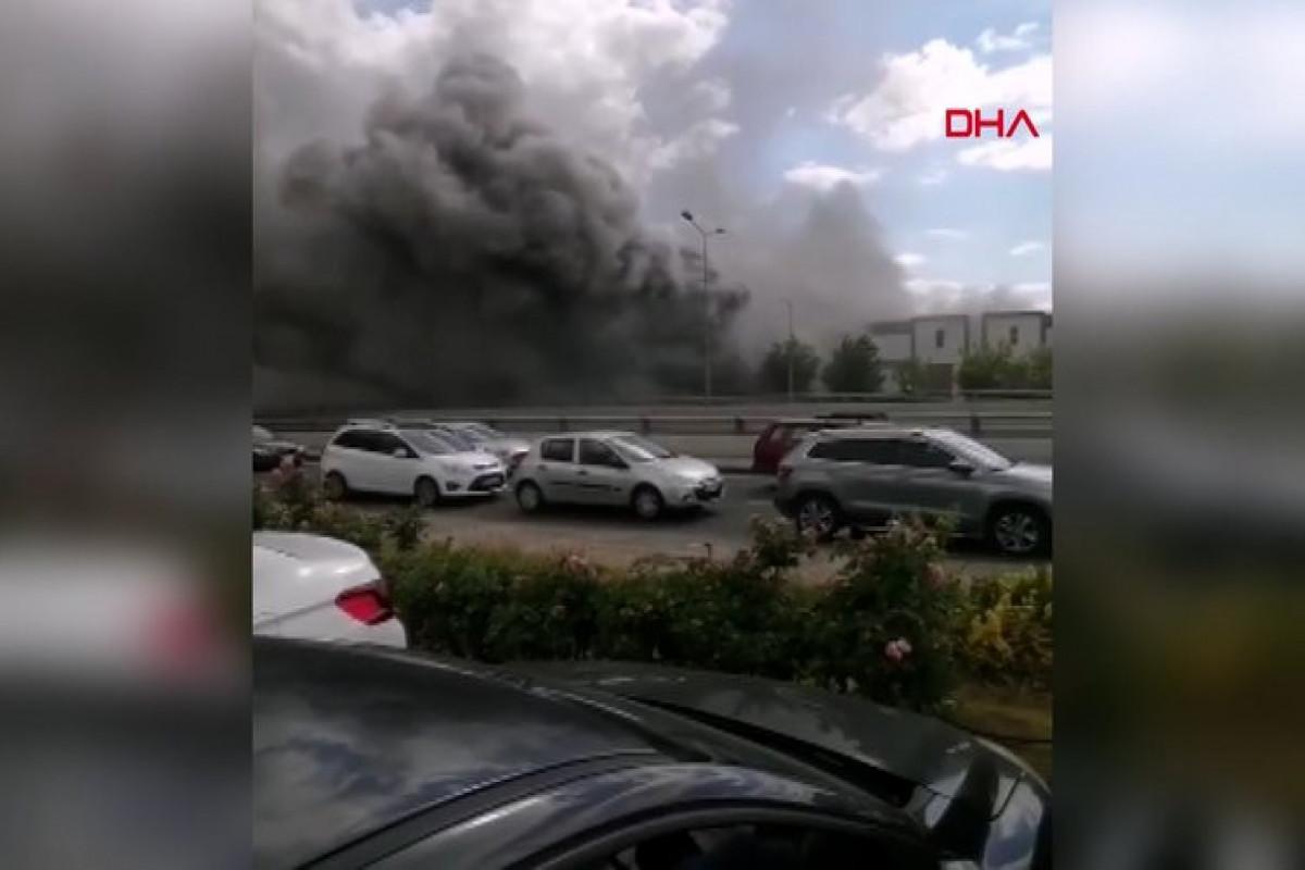 В Анкаре произошел пожар на фабрике по производству химикатов