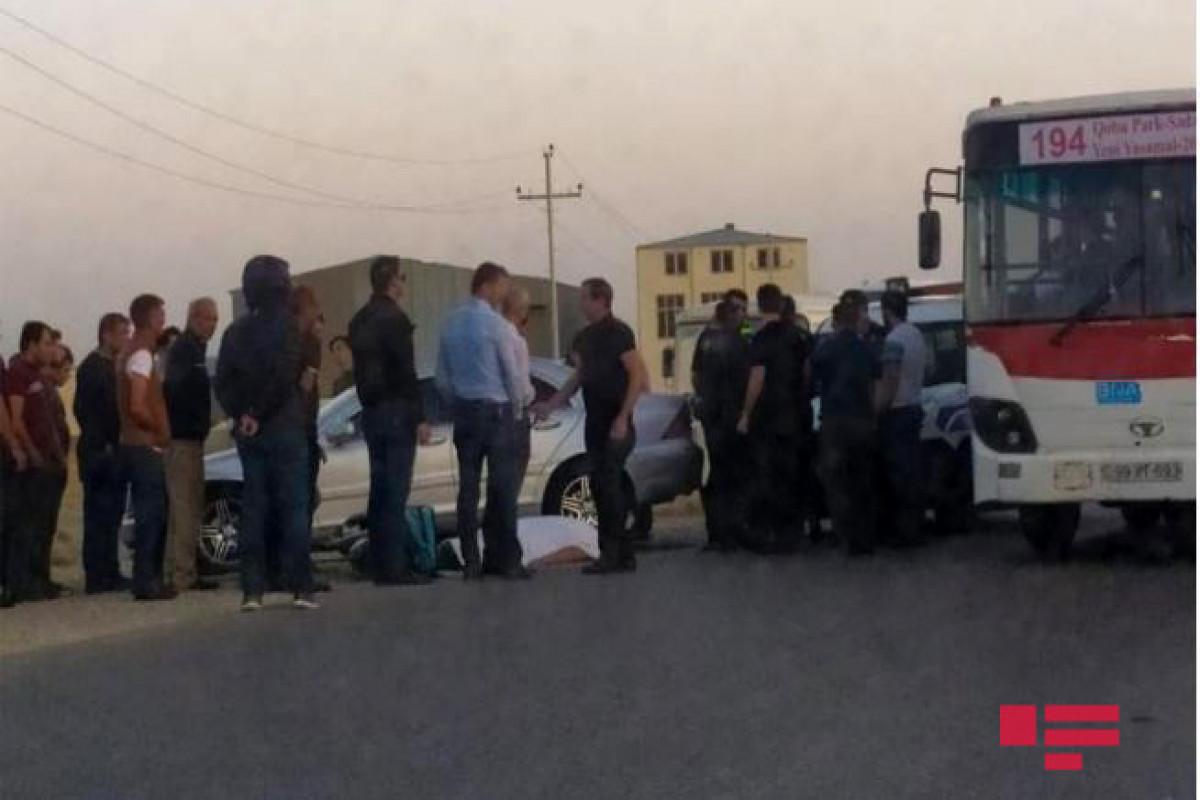 В Баку в ДТП погиб курьер-мотоциклист