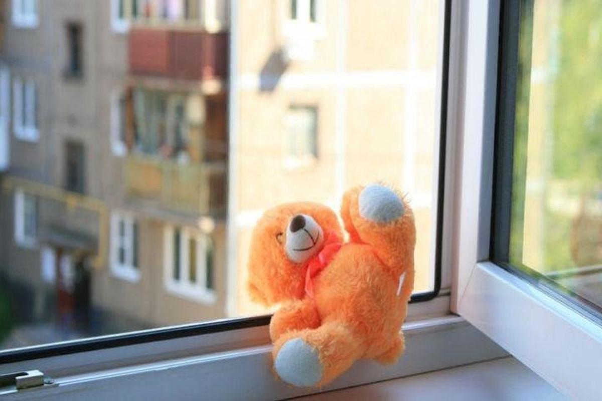 Moskvada 4 yaşlı uşaq 7-ci mərtəbədən yıxılaraq ölüb