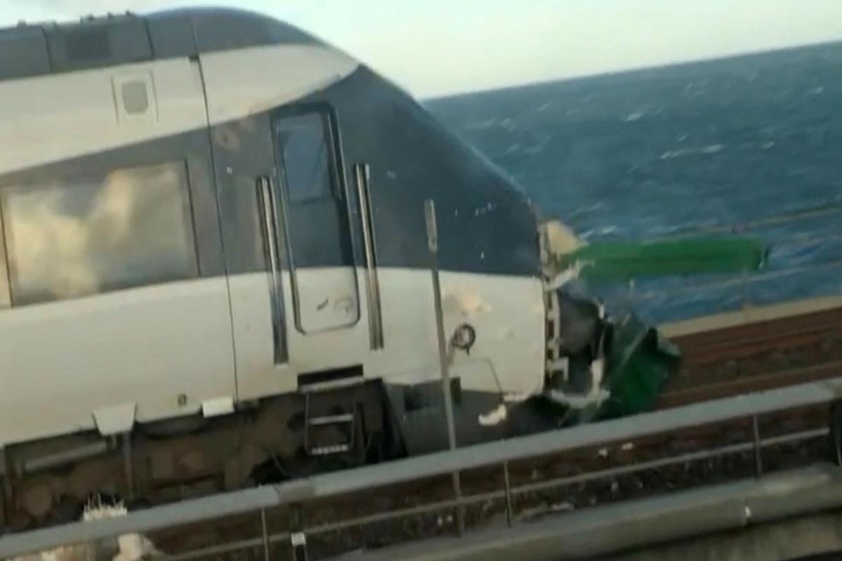 Train accident kills 9 in China