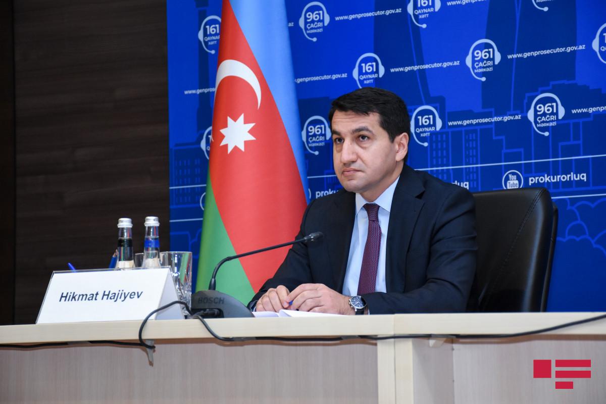 Hikmət Hacıyev beynəlxalq institutları media nümayəndələrinin ölümü ilə nəticələnən mina partlayışını pisləməyə çağırıb