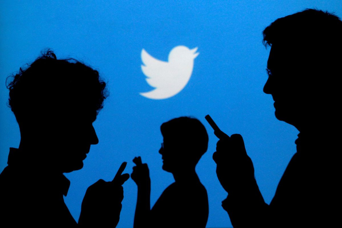 Nigeria says it suspends Twitter days after president