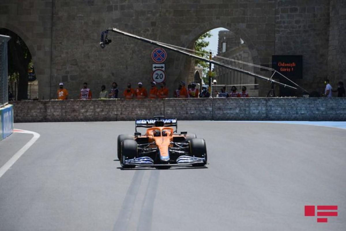 """""""Formula-2"""": İkinci sprint yarışı başlayıb"""