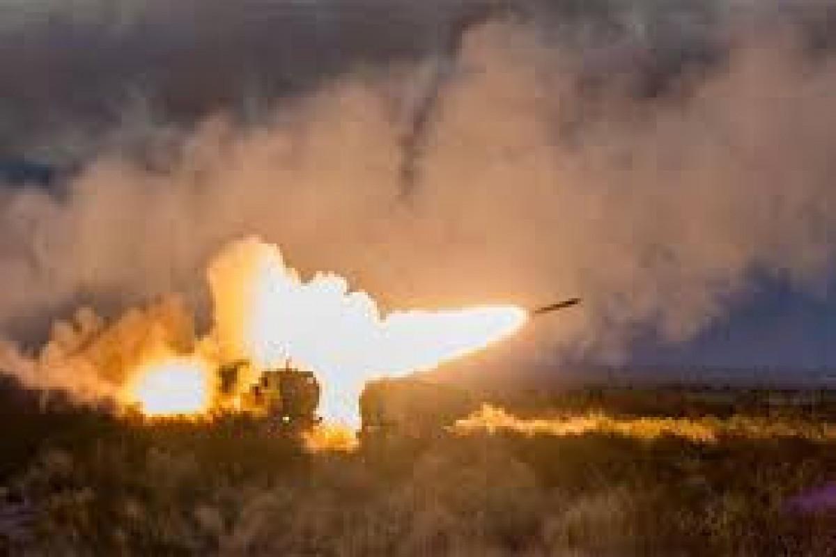 Yəməndə husilərin atdığı raket zərbələri nəticəsində 17 nəfər ölüb