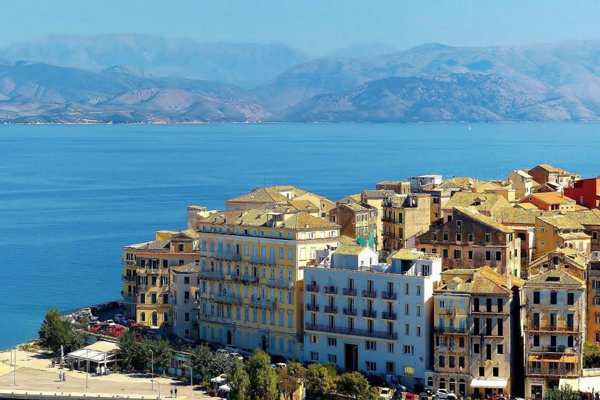 Yunanıstanda atışma olub, 3 nəfər ölüb