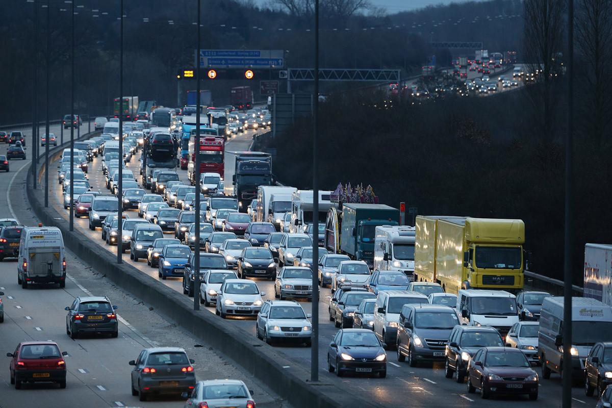 Avropada avtomobil trafiki pandemiyadan əvvəlki səviyyəyə qayıdıb