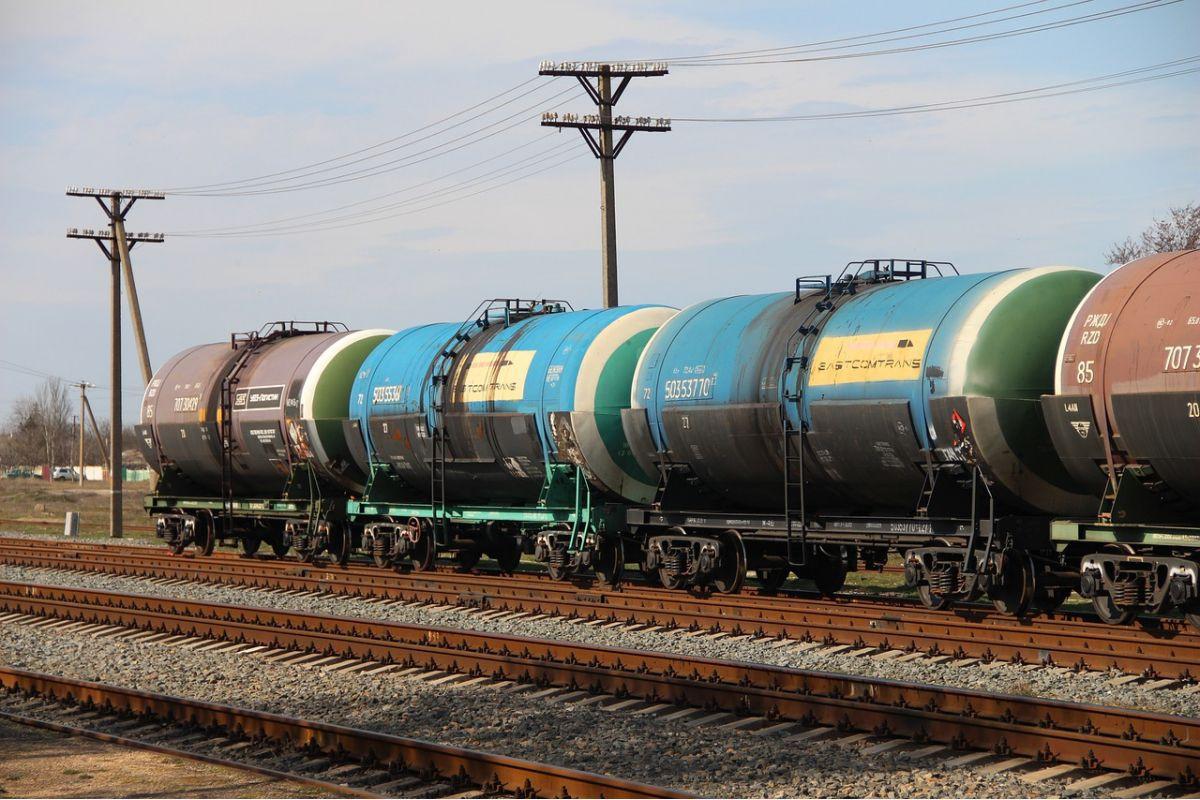 Россия резко снизила экспорт нефти