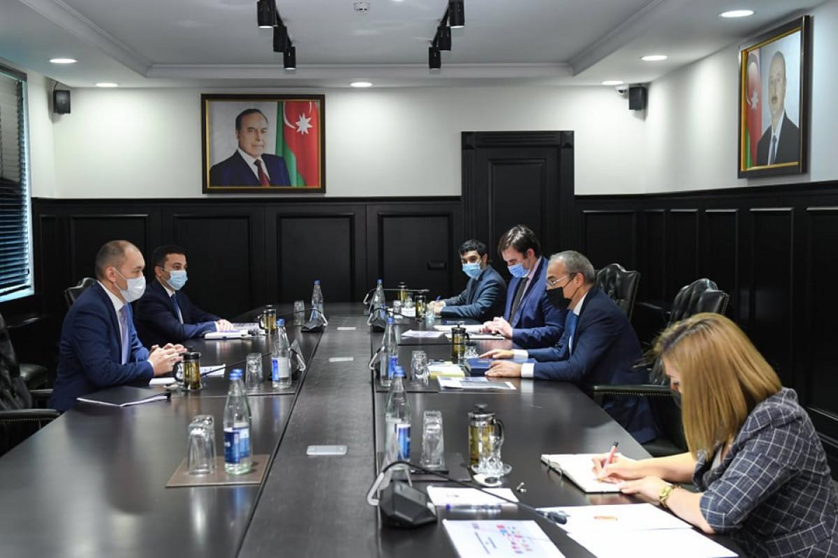 Azərbaycan və TRACECA dəhlizin rəqabət qabiliyyətinin artırılmasını müzakirə ediblər