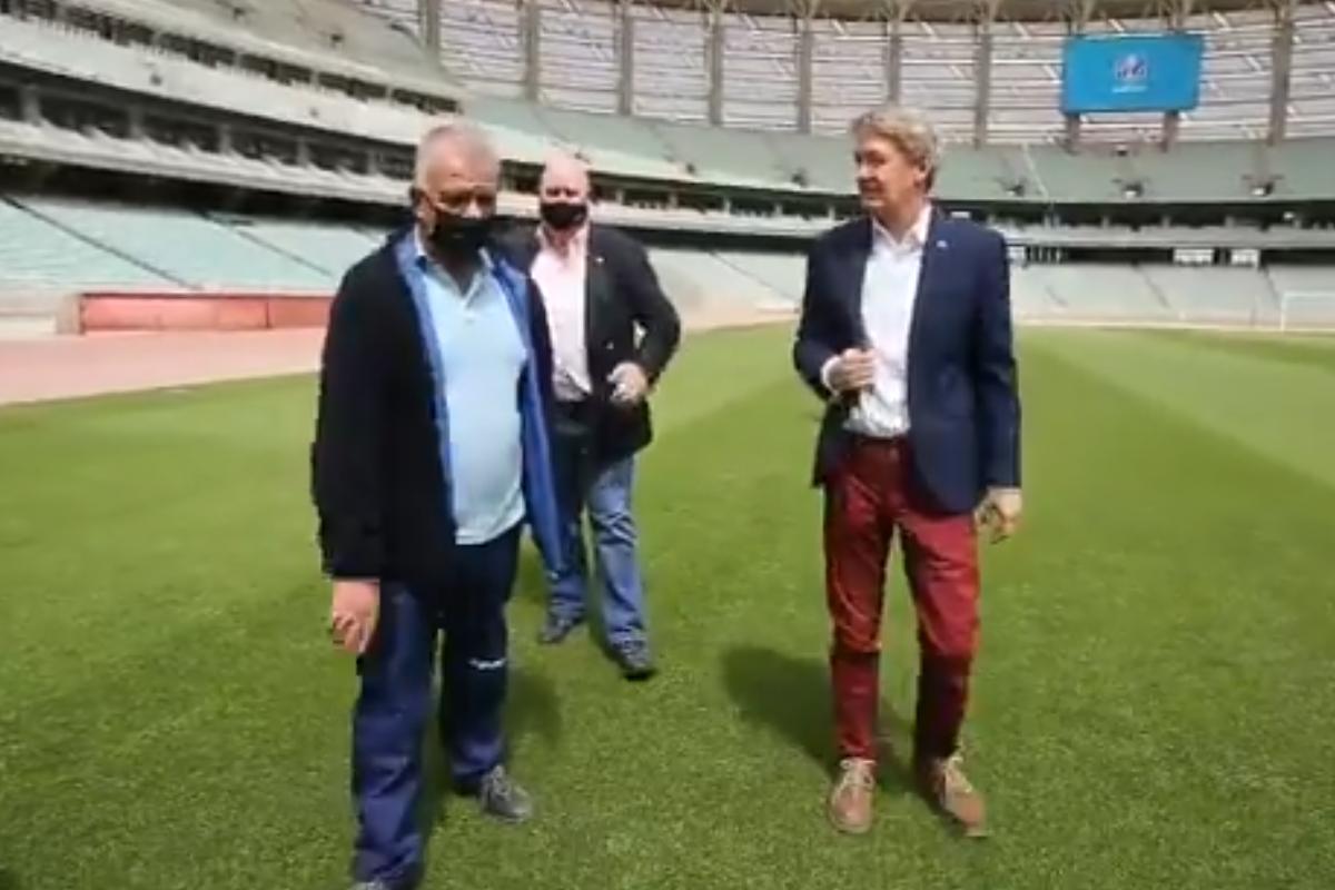 """Britaniya səfiri Bakı Olimpiya Stadionunu ziyarət edib - <span class=""""red_color"""">VİDEO</span>"""