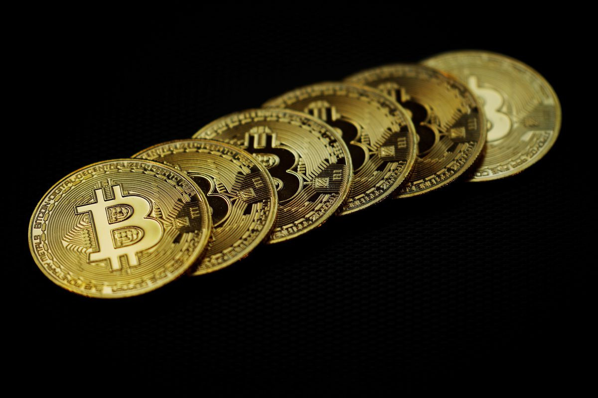 Bitcoin falls to 3-week low as IRS seeks approval for reporting rules