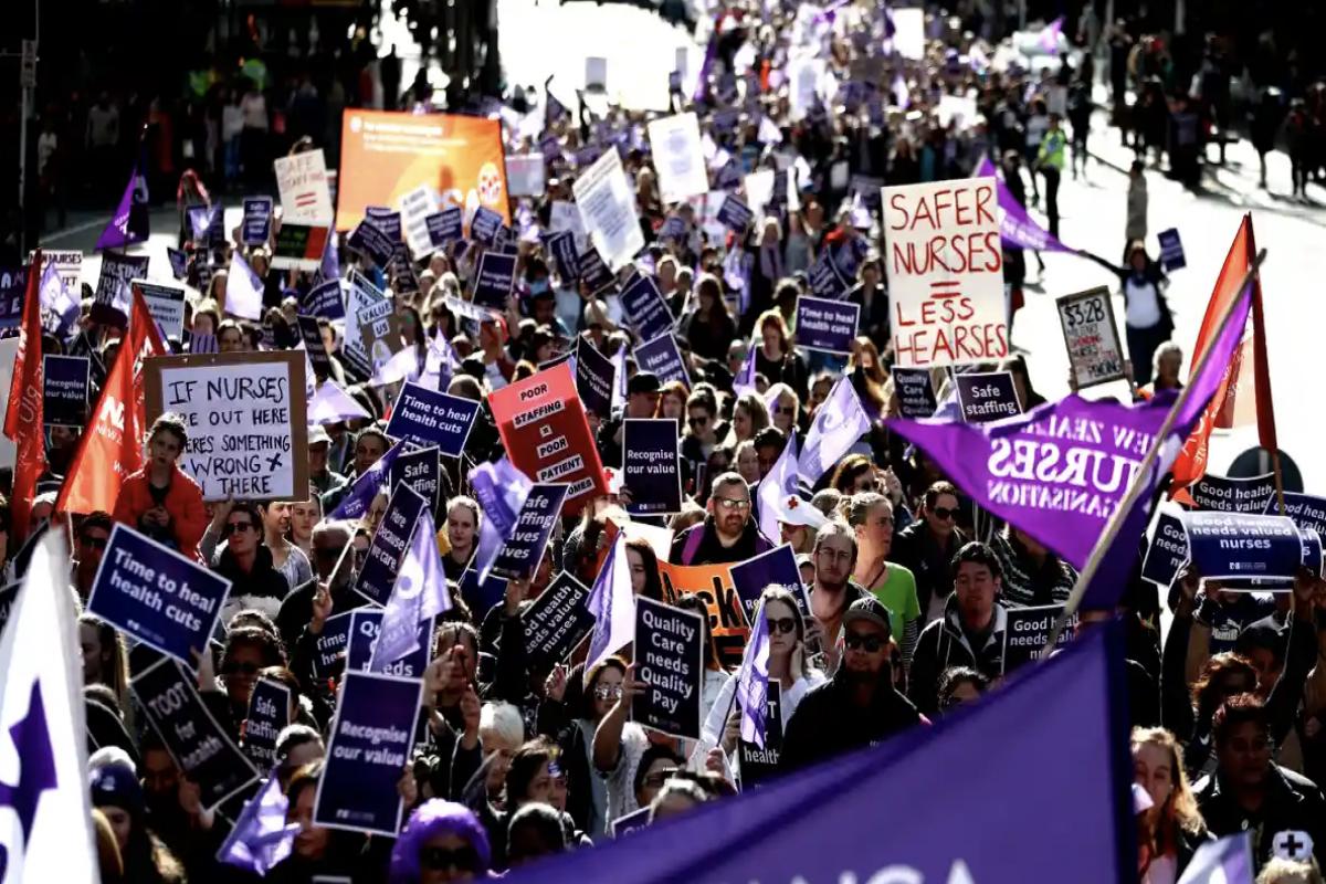 Thousands of nurses go on strike in New Zealand