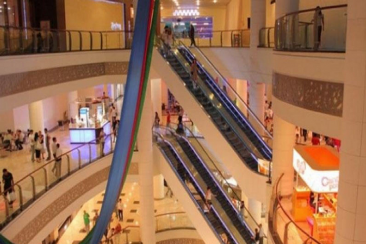 """""""Mall""""arın və iri ticarət mərkəzlərinin fəaliyyəti bu gündən bərpa olunub - <span class=""""red_color"""">VİDEO</span>"""