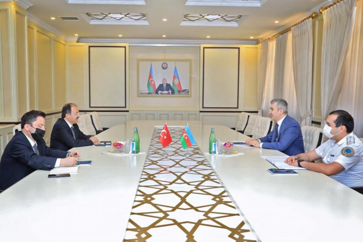 Вюсал Гусейнов: Число граждан Турции, работающих в Азербайджане, растет с каждым годом