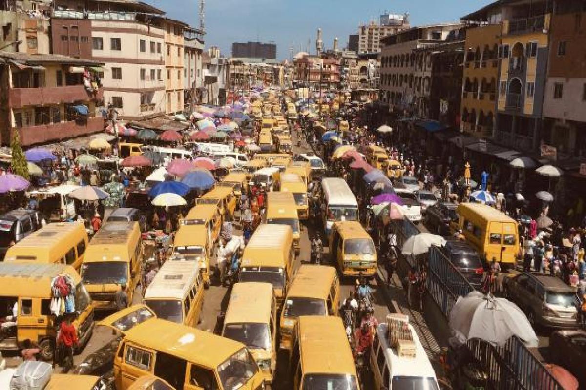 Nigeriyada 2 avtobusun toqquşması nəticəsində 18 nəfər ölüb