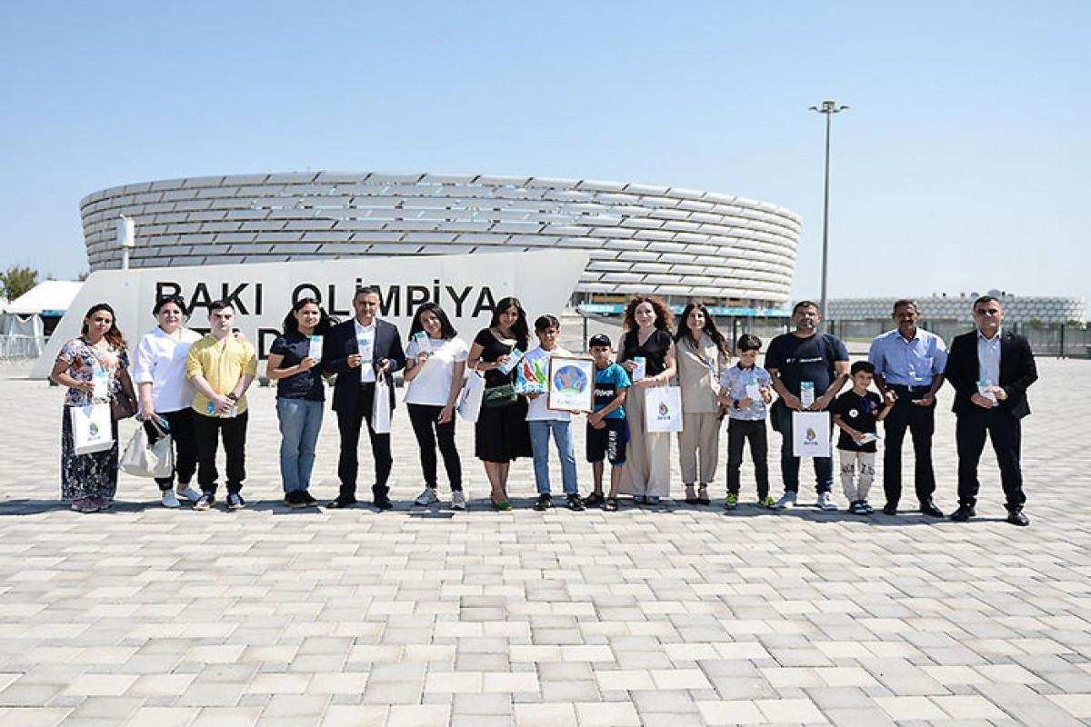 """AFFA uşaqlara AVRO-2020-nin oyunlarına bilet hədiyyə edib - <span class=""""red_color"""">FOTOLENT</span>"""