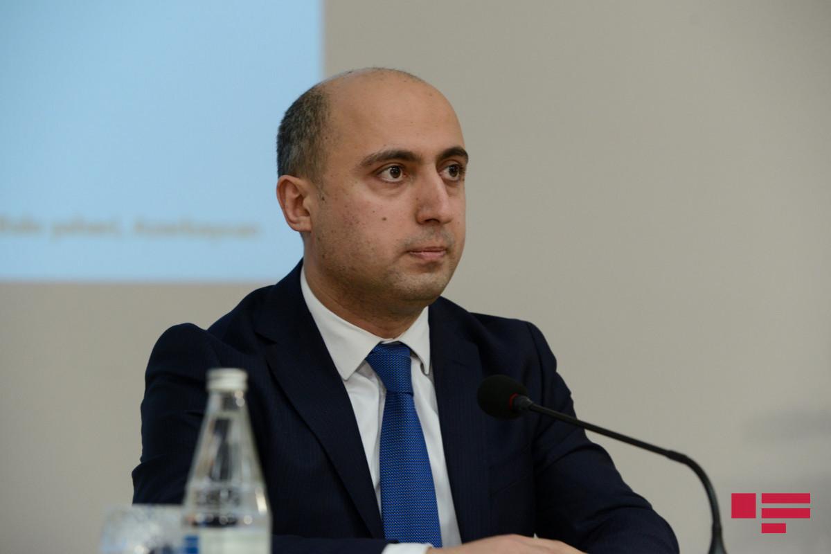 """Emin Əmrullayev: """"Məktəblərdə psixoloqlarla bağlı təhlillər aparırıq"""""""