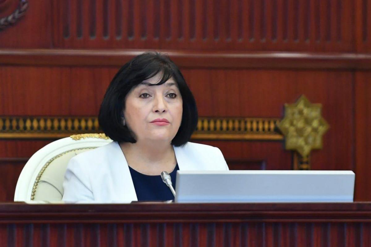 Спикер поздравила азербайджанский народ с Днем национального спасения